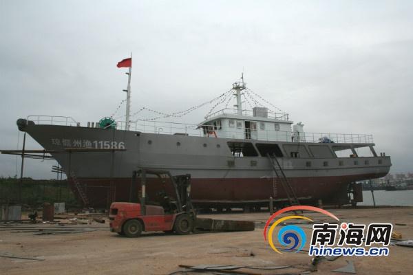 儋州渔民夫妇投资600多万元造200多吨铁甲大船闯深海