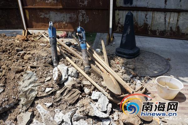 施工工人使用的风镐.(南海网记者周静泊摄)图片