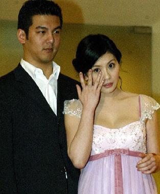 林若亚否认因被打与贾静雯前夫分手:他很无辜