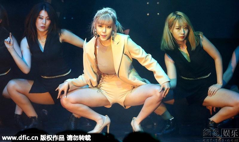 火辣热舞 2016排舞火辣热舞 韩国牛仔美女热舞炮筒 排舞火辣热舞图片