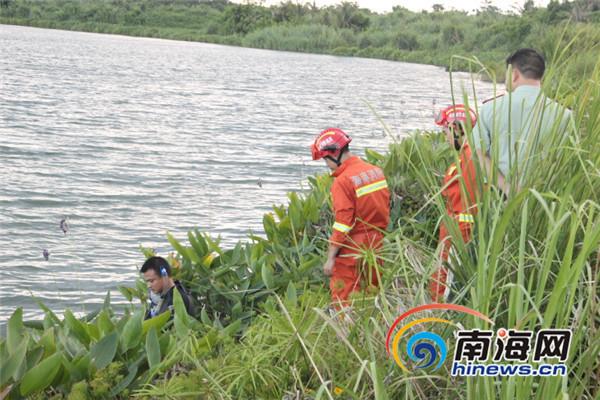 <b>海口16岁男孩用树枝绑泡沫下水抓鱼树枝断后溺水身亡</b>