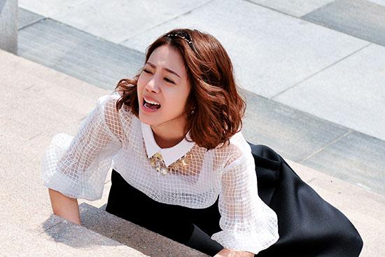 风问由美爱情网_其中,新生代人气演员李溪芮饰演的白富美杨佳,面对不属于自己的爱情