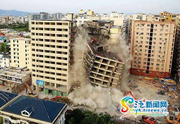"""三亚采取""""5+2""""工作模式拆除1.8万平米豪都花园酒店"""