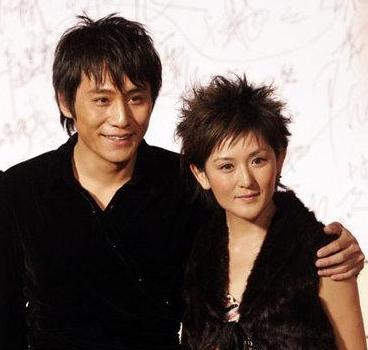 如今,刘烨携子参加爸爸3,有可能录制《快本》,和前任谢娜有怎样的互动