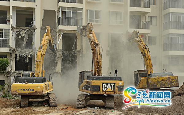 三亚12栋高层违建被拆除最高13层空无人住(图)
