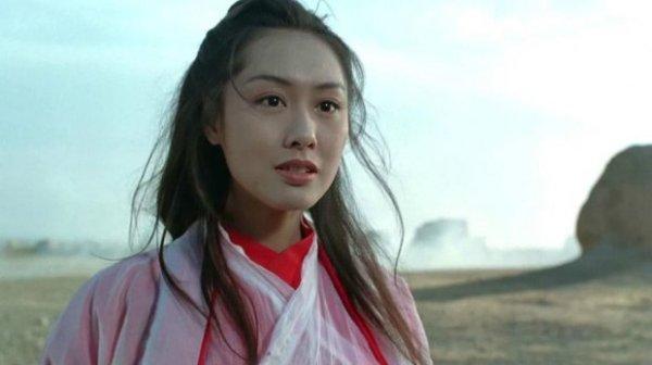 刘镇伟晒与朱茵合影 女神或再演紫霞仙子