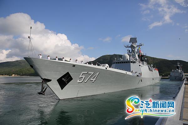 海军第21批护航编队三亚启航赴亚丁湾执行护航