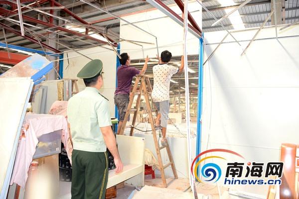 海南53家商户主动拆除不合格钢板20天拆除5000多平方米