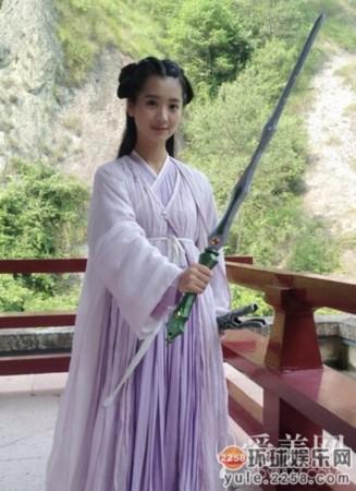 赵丽颖替身李可-那些演错角色招黑的女星 安以轩这么丑演西施图片