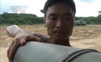 海南军区七指炮手操作坦克发发命中右手仅剩两指