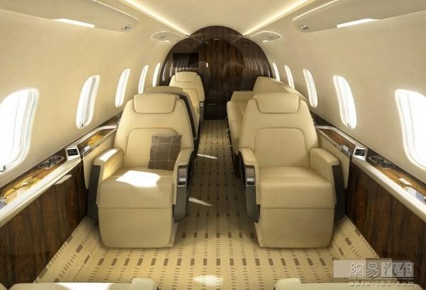 万至5000万美元之间.   这一型的私人商务飞机性能好、内部高清图片