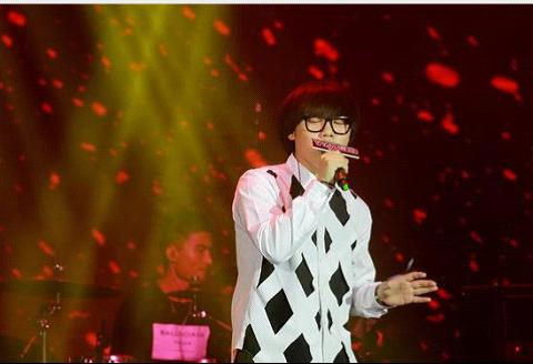 中国好声音大合唱_YY直播玩唱会 好声音冠军李琦与百万粉丝一起High- Micro Reading