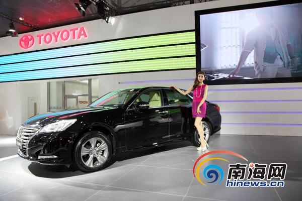 <b>一汽丰田携全新CROWN皇冠2.0T等三款展示车亮相车展</b>