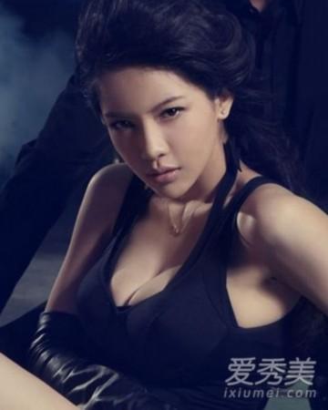 王菲VS杨幂 娱圈十大巨乳女星VS十大平胸女星__海南 ...