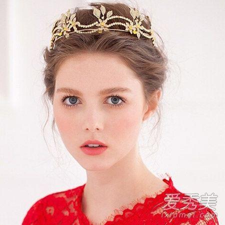 学baby公主般出嫁!戴皇冠适合的新娘发型