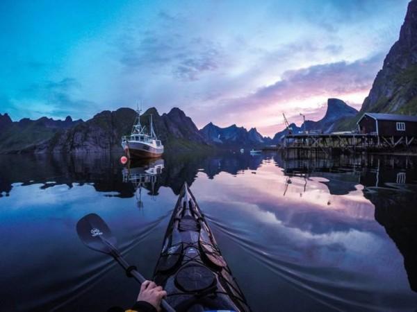 独木舟上的挪威风光