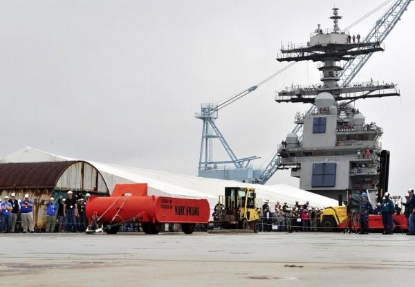 福特号航母进行电磁弹射试验-日媒 中国正同时开造两艘航母 装备电磁图片
