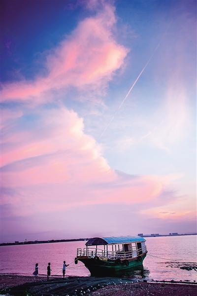 独特的区位优势,优良的生态,迷人的海滨风光——