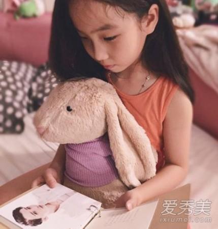 浓缩就是精华的潘长江老师虽然长相很有喜感,但是他的女儿潘阳却是