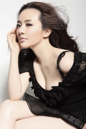 女星泫雅热裤舞_韩国女星泫雅热裤舞 聚焦上演风骚撩人诱惑的女星