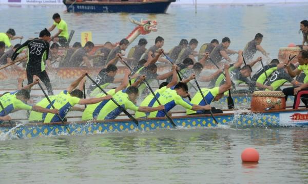 白桥龙舟赛成移芝队_中华龙舟赛东莞站首日:南海九江女队双冠