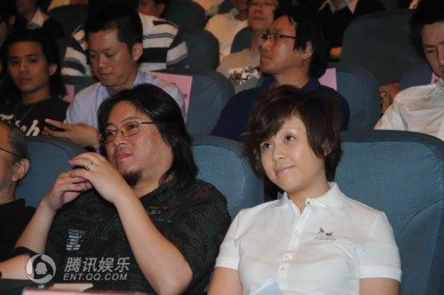 曝李维嘉凭龙丹妮上位报恩结婚 前女友江璐似李湘图片