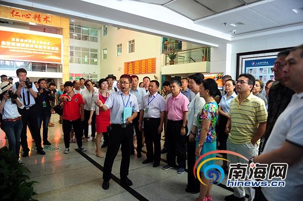 18国驻京外交使节组团到三亚感受中医魅力大赞中医文化