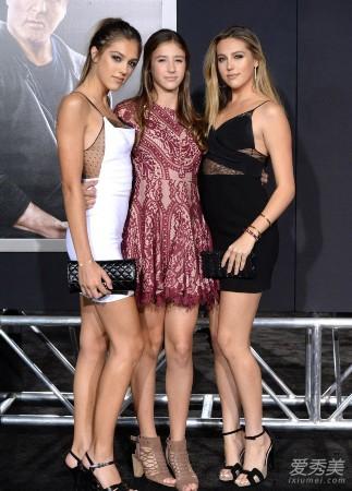 史泰龙三个女儿_史泰龙3个女儿齐亮相 全是大美女__海南新闻网_南海网