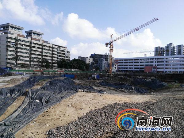 海口椰树门广场改造项目拖沓被曝光施工现场仍显冷清