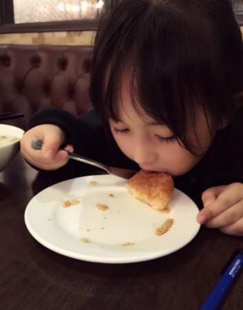 《芈月传》6岁小萝莉萌翻网友 可爱生活照曝光
