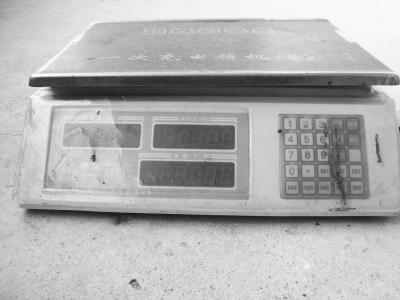海口有电子秤遥控器卖一套2200元100米内可遥控任何电子秤