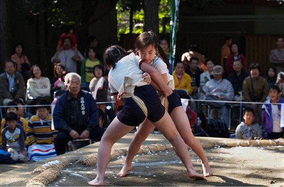 女子相扑比赛图片