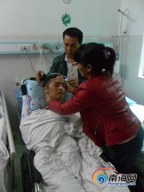澄迈少年骑电动车摔成特重型颅脑损伤举债20万元盼助
