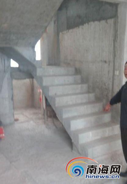 海口小区业主装修拆墙体切楼板楼下住户房子漏水