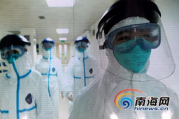 抗击埃博拉的海南省医院感染科女将:心底的热爱让我们坚持