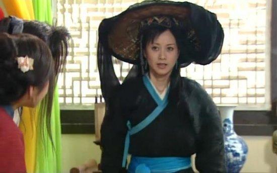 人家《武林外传》的郭芙蓉和祝无双都穿一件衣服了,不撞衫都赶不上图片