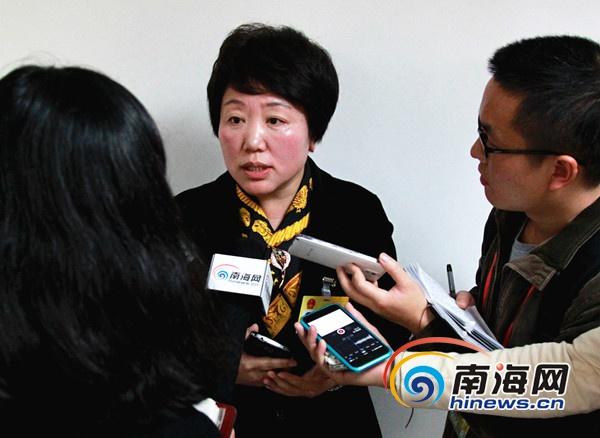海南省教育厅厅长:引导区域教育资源流动为择校热降温