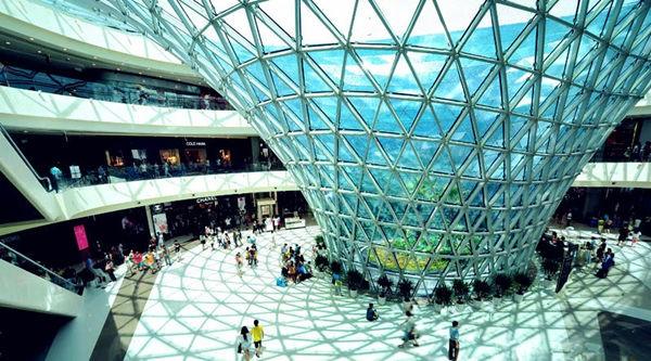 ...免税店开设网上销售窗口.网上购物是近年来商业发展的大趋...
