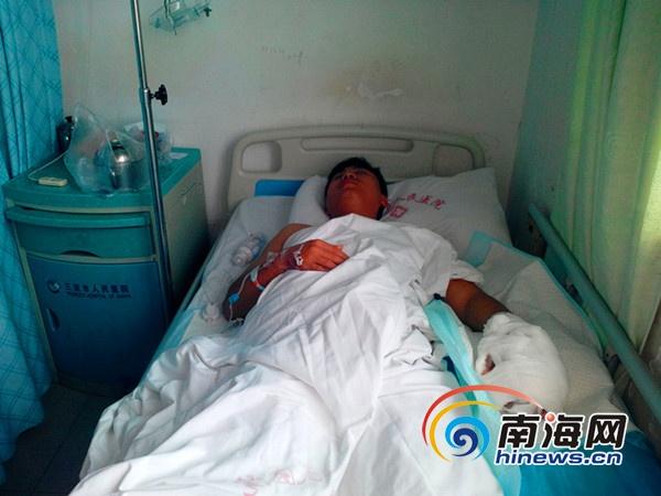 三亚城管遭遇暴力抗法副中队长被砍掉两手指[图]