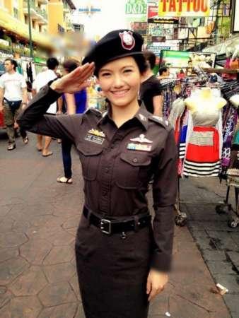 台湾最美女警走红 盘点台湾那些网红和高颜警察