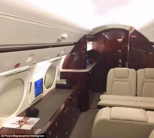 下来 梅威瑟炫私人飞机奢华内饰