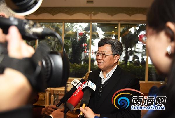 <b>住琼全国政协委员抵京将出席全国政协十二届四次会议</b>