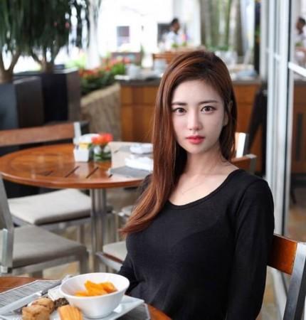 韩国主播光珠_韩国网络女主播韩申颖 令人惊叹的魔鬼身材
