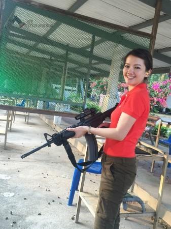泰国漂亮的美女警花 请逮捕我吧