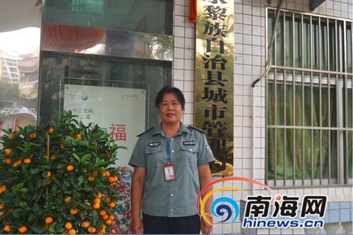 陵城中心市场副主任:大门被砸也不能丢工作原则