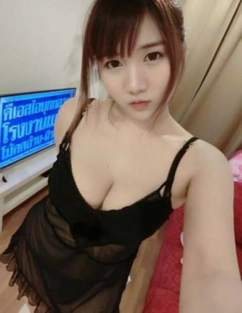 """图为泰国电竞美女主播""""棒糖妹""""生活照.成语美女的很多形容有图片"""