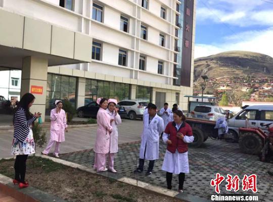 (记者 刘忠俊)记者11日晚间从四川炉霍县政府新闻办获悉,该县斯木乡
