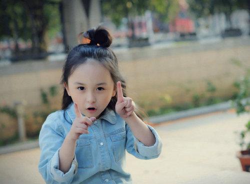 小芈月刘楚恬成小卷毛 看到冰淇淋就双眼放光