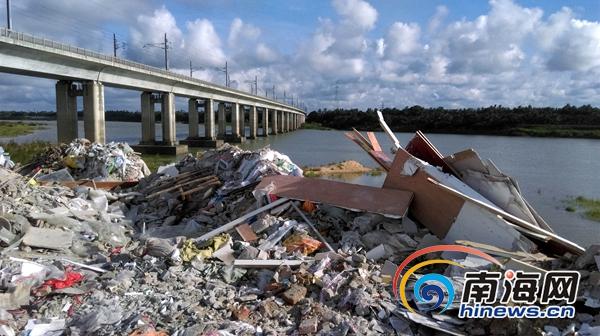 因万泉河段垃圾问题琼海4个相关单位被通报批评