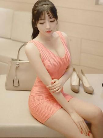 成人漫画女主播_韩国网络女主播米娜,拥有完美腰臀比例.